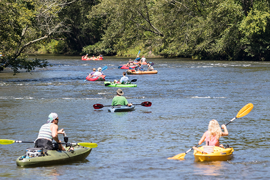 Rolling-Thunder-River-Company-3-Mile-Toccoa-River-Funyak-Or-Kayak